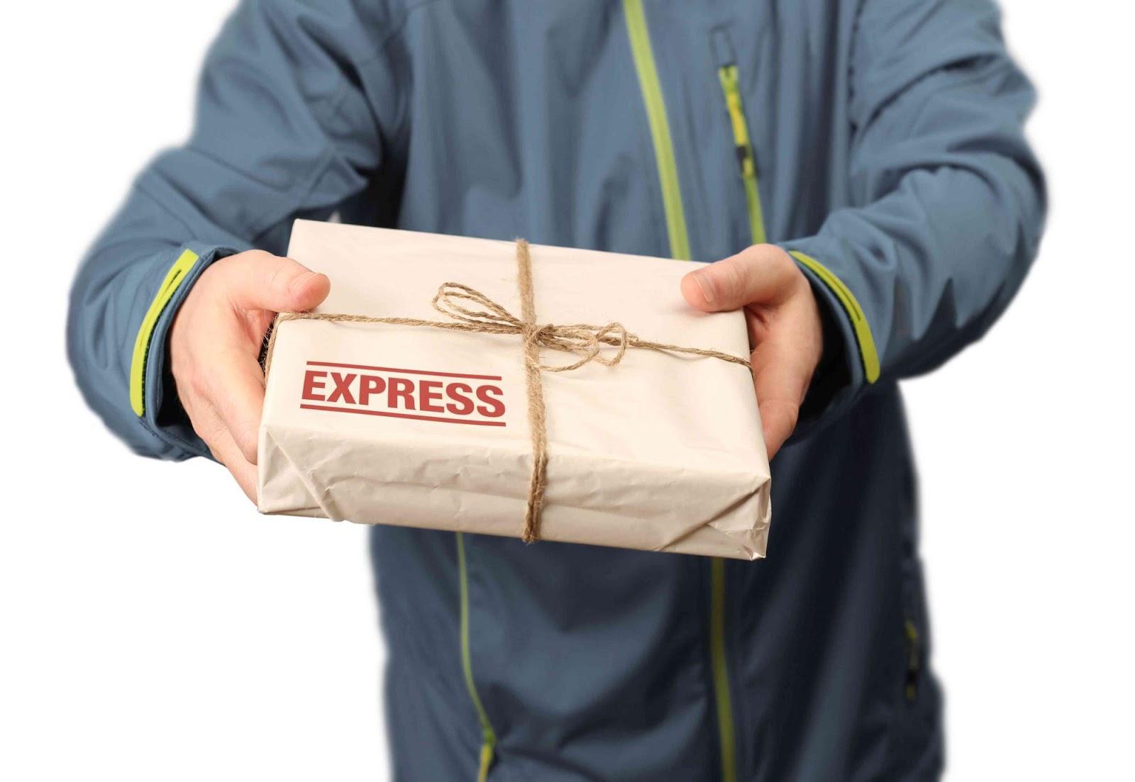 Отправка посылки в другую страну во время путешествия